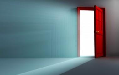משנים את עיצוב הבית על ידי החלפת הדלתות