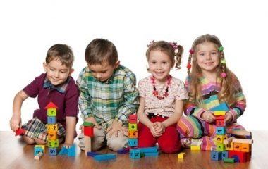 8 צעצועי התפתחות שכל תינוק חייב!