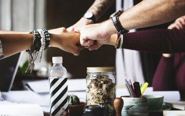 איך לגבש צוות במינימום תקציב