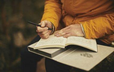 כתיבת עבודה אקדמית בתשלום – כיצד זה נעשה?