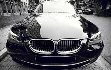 מהן העלויות של הכהיית חלונות לרכב