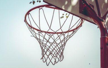 איך תבחרו מחנה כדורסל עבור הילדים שלכם