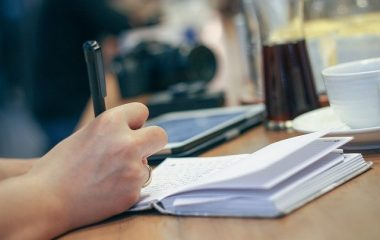 במה להתמקד כאשר מתבקשים לכתוב מאמר עמדה?