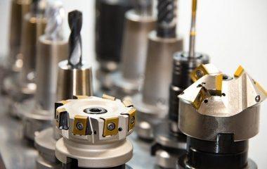 מכונות CNC לדיוק מירבי בחיתוך מגוון רחב של חומרים