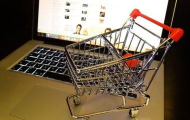 קניות בגדים באינטרנט – למה זה כדאי וממה כדאי להיזהר?