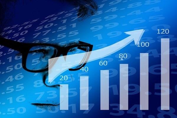לימודי שוק ההון באינטרנט – האם הם מתאימים לכל אחד?