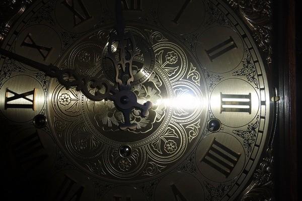 תיקון שעוני קיר עתיקים