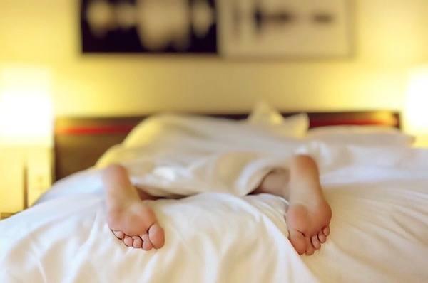 כך תדעו איזו מיטה זוגית מתאימה לכם