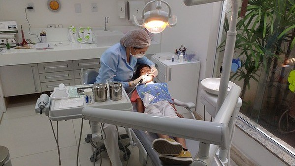 רופא שיניים מומחה לילדים קטנים