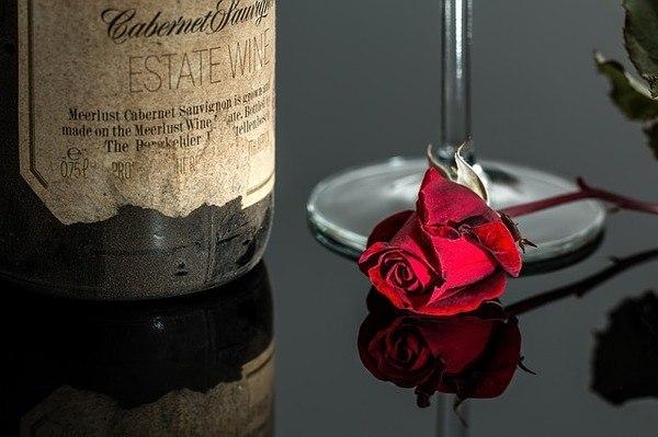 ההבדל בין יין אדום ליין לבן