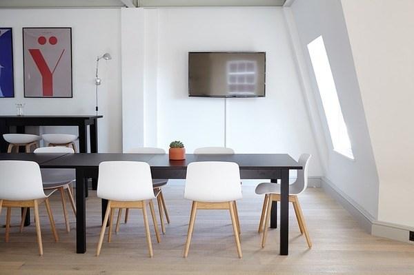 ציורים עושים עסקים: התאימו את הציור במשרדכם היטב לאווירה
