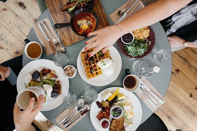 מדוע ישראלים אוהבים ארוחת בוקר?
