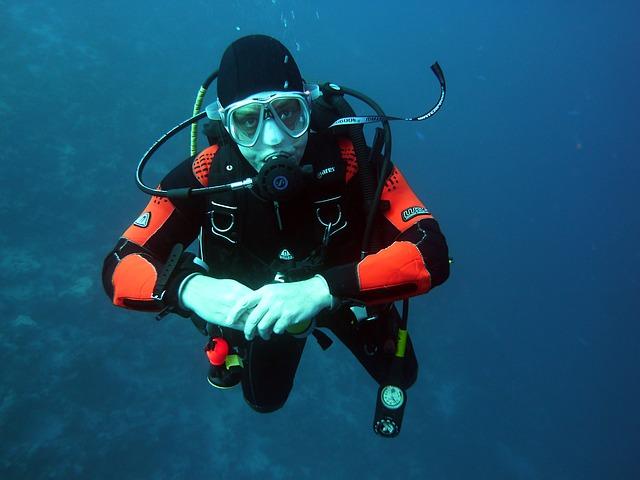 ציוד צלילה – 3 פריטים חובה לצוללנים