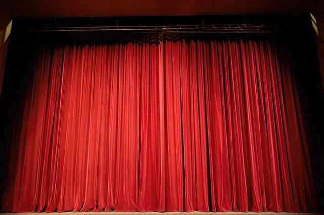 איך לרכוש כרטיסים להצגות תיאטרון בצורה בטוחה אונליין?