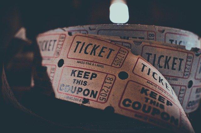 עד קצה הקשת הקאמרי – איך תרכשו כרטיסים מוזלים להצגה? כל הפרטים