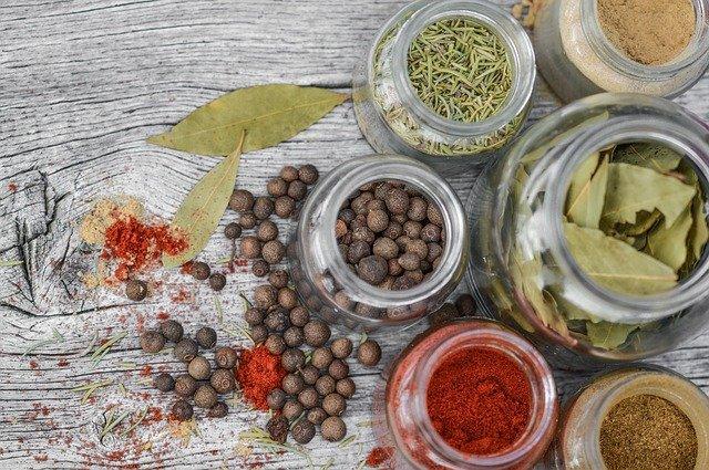 עשבי תיבול – מוסיפים טעמים ומעשירים את האוכל